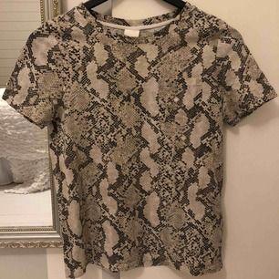 Superfin tröja från hm, använd ett fåtal gånger.