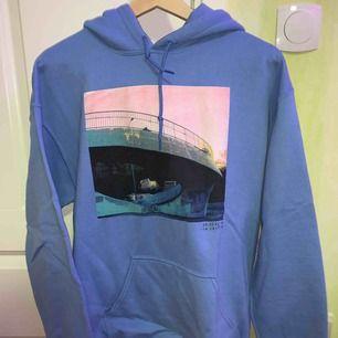 Snygg ljus blå hoodie, River Island, knappt använd därav sälj!