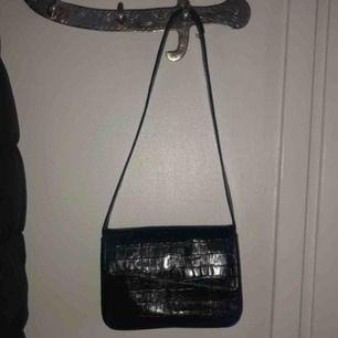 jättegullig liten väska! Köpt på POP Vintage men tror den e nyproducerad