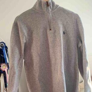 Fin zipper hoodie från Ralph Lauren, kommer inte till användning.