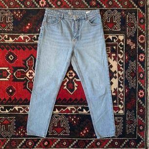 Kimono jeans från Monki. Storlek 32. Frakt ingår