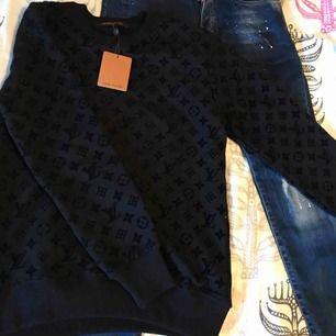 Ny LV Crewneck 1o1 Louis Vuitton  Strl: S