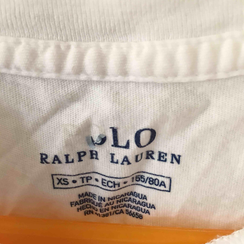 Polo Ralph Lauren T-shirt i fint skick. T-shirts.
