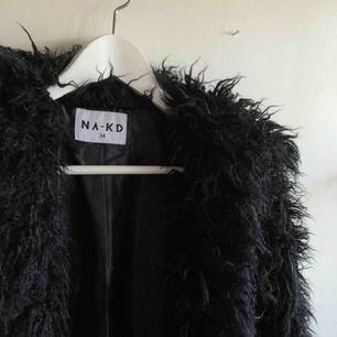 Jättefin jacka från nakd. Varm, perfekt i vinter. Frakt kostar ca72kr, vid snabb affär kan vi dela på frakt/diskutera pris 🥰