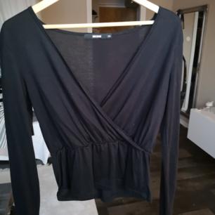 Peplum tröja från bikbok xs 60kr+frakt