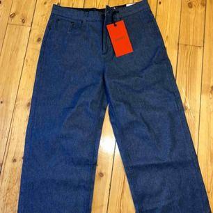 Whyred jeans utsvängda