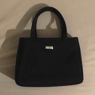SUPER FIN classy Väska från märken ZACK. Så fin och liten! Frakt: 50kr