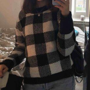 Fin rutig tröja som jag inte fått användning av, använd fåtal ggr toppskick