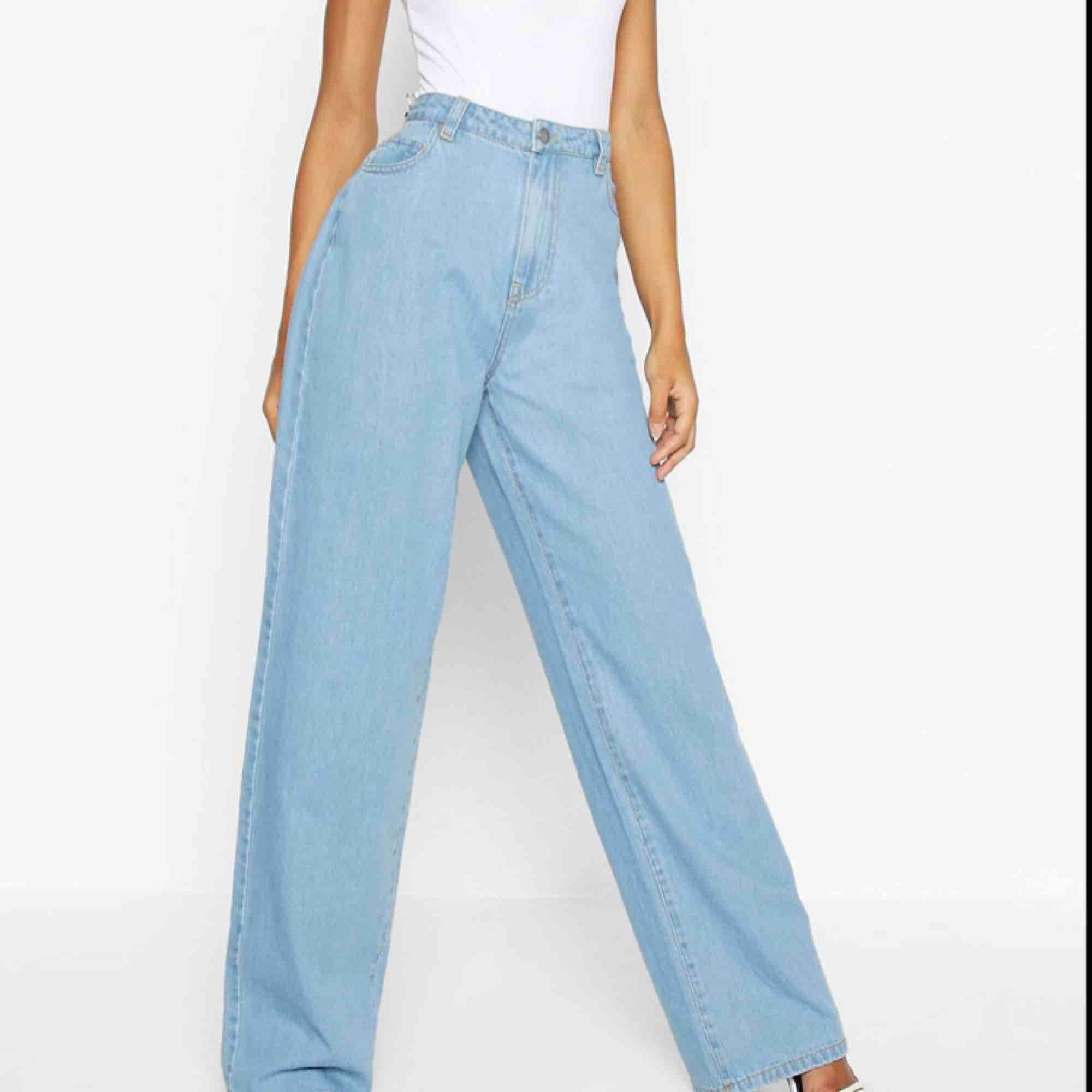 Helt nya jeans från boohoo✨✨. Jeans & Byxor.