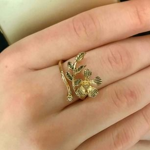 Superfin guldig ring. Ser ny ut! Frakt kostar 9kr❣️