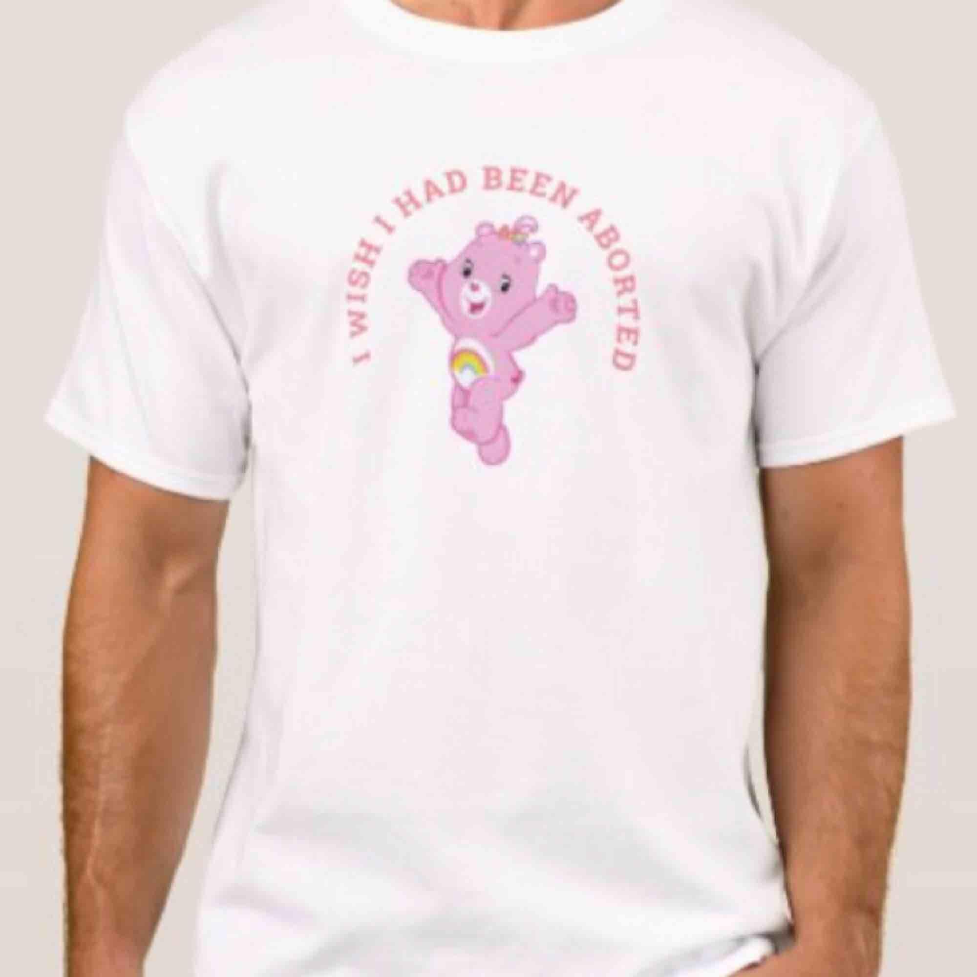 Charmig tröja från min care bear kollektion!  Mer info om frakt i min profil. T-shirts.