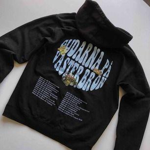 gpv hoodie, M, 300 eller högsta bud, fler bilder går att lösa