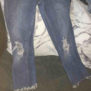 Säljer ett par kortare jeans från Gina, vill bara bli av med det så kan gå ner i pris:)