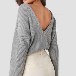 En stickad tröja ifrån NAKD🌸köparen står för frakt🌸
