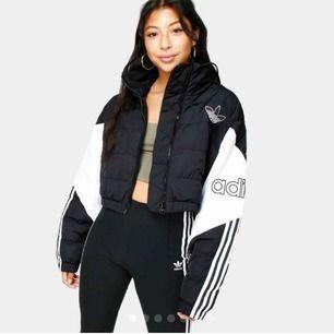 Säljer nu denna jacka helt o använd, storlek m
