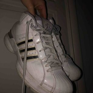 Ett par Adidas Original Pro Model!