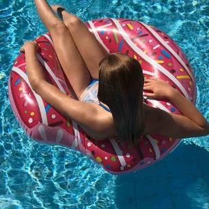 Galet snygg bikini från Elsa & Rose 🤩 Underdelen är Storek xs  Överdelen är Storek S Använda 3 gånger, mycket försiktigt💕 Båda delar för 150kr och en för 80kr