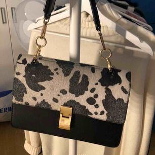 Väska Gina Tricot