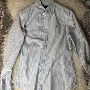 Ralph Lauren skjorta Använd 1 gång Köpt för 800kr