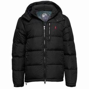 Helt ny oanvänd jacka, säljs pga fel storlek
