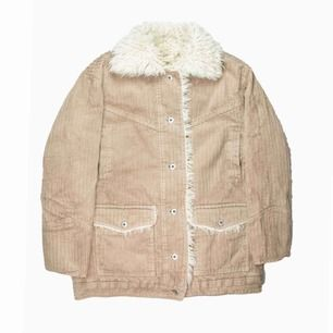 H&M Trend oversize pile-lined corduroy jacket / coat in beige Label: EUR 32, it's really oversize Model: 163/XS Measurements (flat): Length: 73 Pit to pit: 60 Price is final! Free shipping! Ask for the full description! No returns!