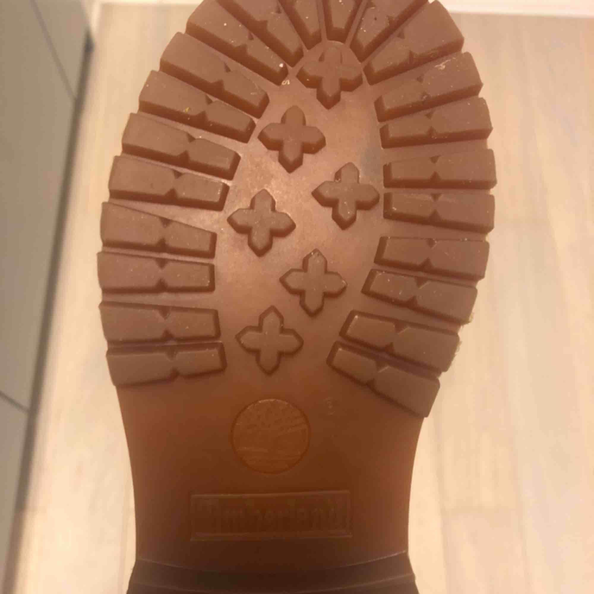 Timberland Icon Beige 6in Premium Boots - Wheat Storlek 36 Sparsamt använda Nypris: 1295:- Mitt pris: 800:-  . Skor.