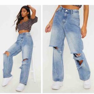 Populära jeans från prettylittlething! Bra skick
