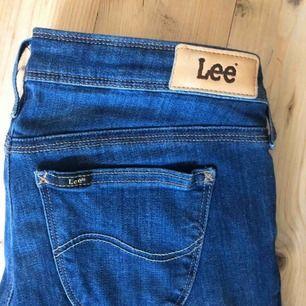 Lee Jeans, aldrig använda. Lågmidjade 28/33