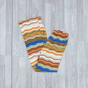 Bootcut stretchiga leggings från Belle Shoes storlek xs. Fint skick.   Möts upp i Stockholm eller fraktar.  Frakt kostar 42kr extra, postar med videobevis/bildbevis. Jag garanterar en snabb pålitlig affär!✨