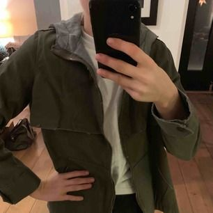 Olika jackor från Zara, H&M och Bershka! Frakt tillkommer 💕