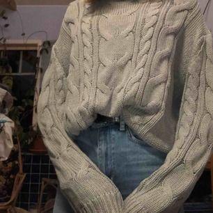 Säljer denna gråa tröja från lager 157.  Köpare står för frakt🌸