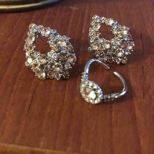 Örhängen och matchande ring