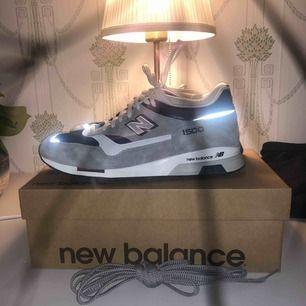 New balance skor Nypris 1800kr Skick: 9/10 endast använda inomhus ett fåtal gånger Skolåda och extra skosnören följer med