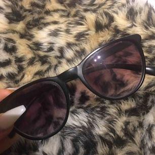 Fins solglasögon i gott skick