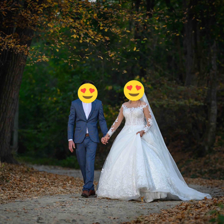 Min bröllop klänning, använd den en gång på min bröllops dag. Storlek 38. Klänningar.