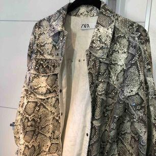 Jättefin jacka från Zara i nyskick! Köpare står för frakten 💜