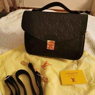 helt ny väska med dustbag väldigt bra kvalitet