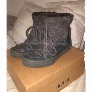 INTRESSEKOLL!!! på om någon vill byta mot ett par andra Inuikii skor (den större modellen) i storlek 40/41? Kan annars sälja för ett bra bud (ungefär 1500kr) 💕