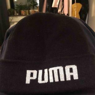 Puma mössa! Finns även en militärgrön för samma pris :)