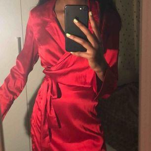 As fin klänning från Na-kd, knappt använd och kommer inte till någon användning.