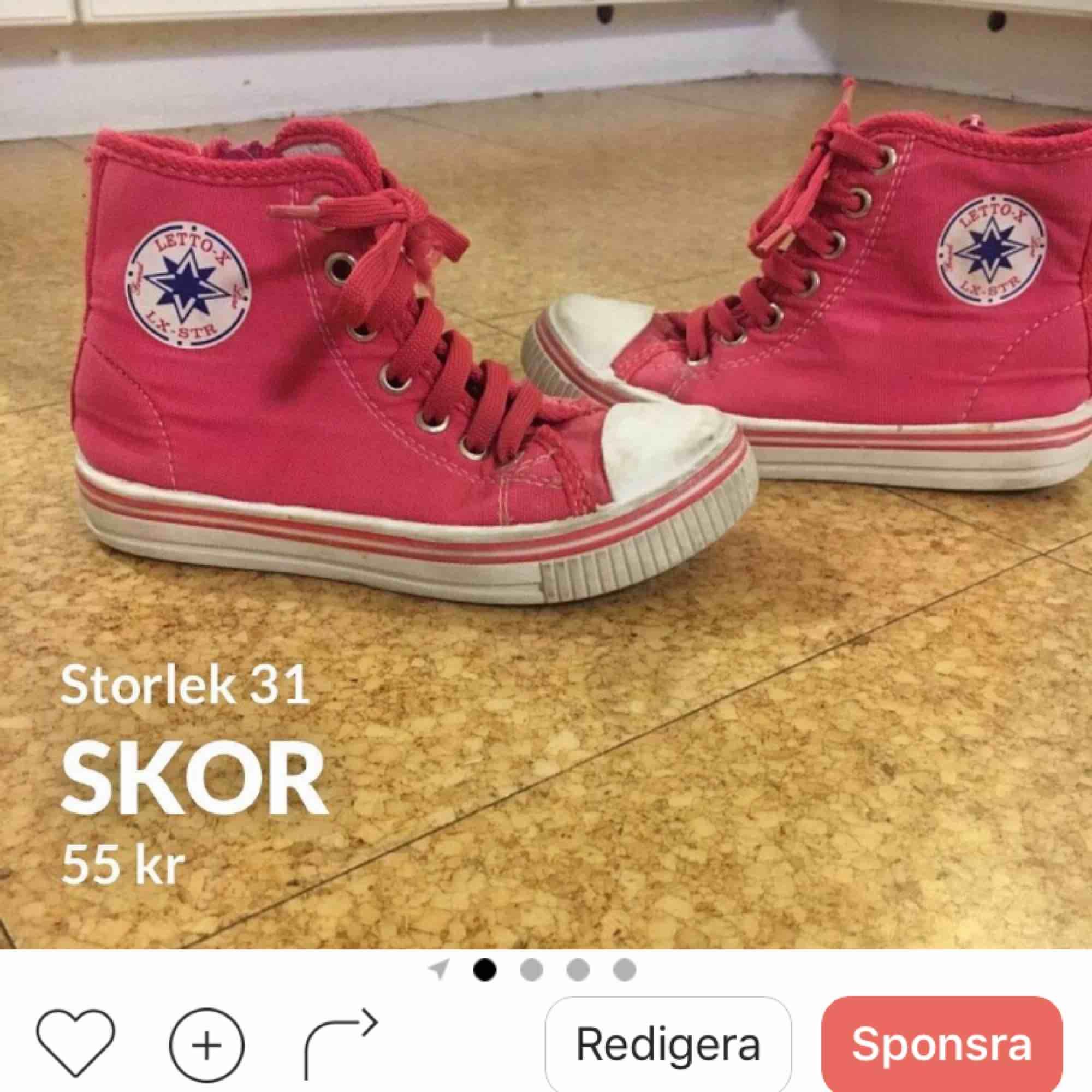 Så gulliga rosa skor . Skor.