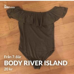 En body från river island