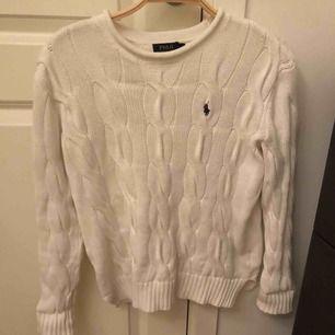 Vit stickad tröja från polo ralph lauren.
