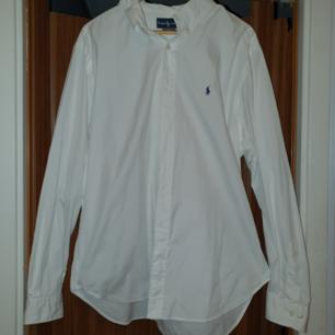 Äkta Ralph Lauren skjorta i nyskick