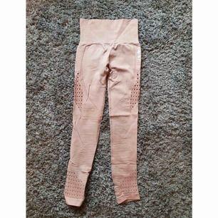 Gymshark tights (nyskick) storlek S.