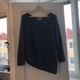 Tröja från Zara strl S. 63kr frakt skickas med postnord spårbar frakt bekostas av köpare