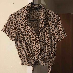 Jättefin skjorta ifrån Hm, använd 2 ggr