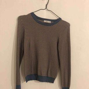 Superfin tröja från Zara, sparsamt använd. Frakten exkluderad i priset 🥰🥰