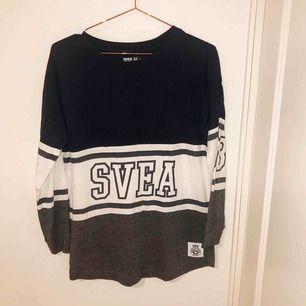 Tröja från Svea, använt ett par gånger men i väldigt god skick. Köpt för 249 kr. Storlek S men passar även en M.