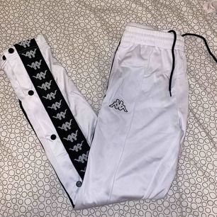 Nästan helt ny kappa byxor. Har haft på mig den en gång :))